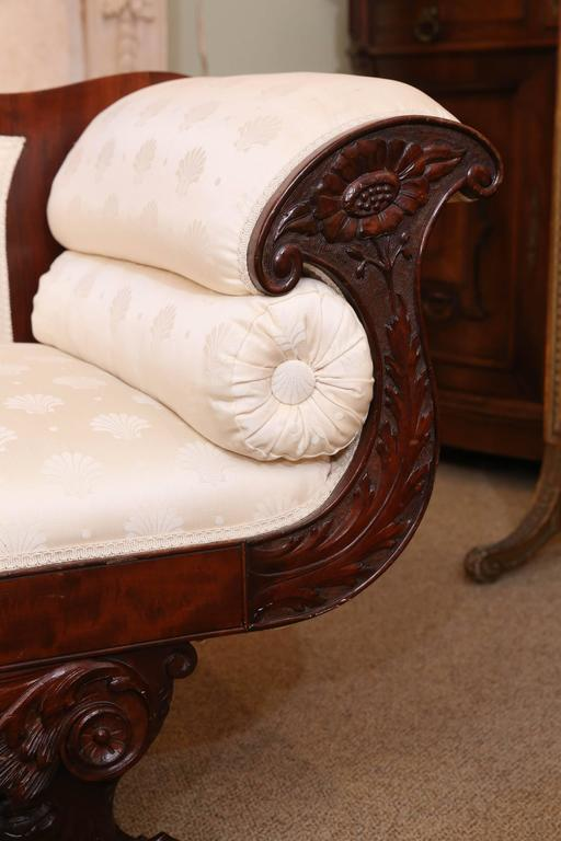 Merveilleux American Empire Settee, 19th Century Flame Mahogany