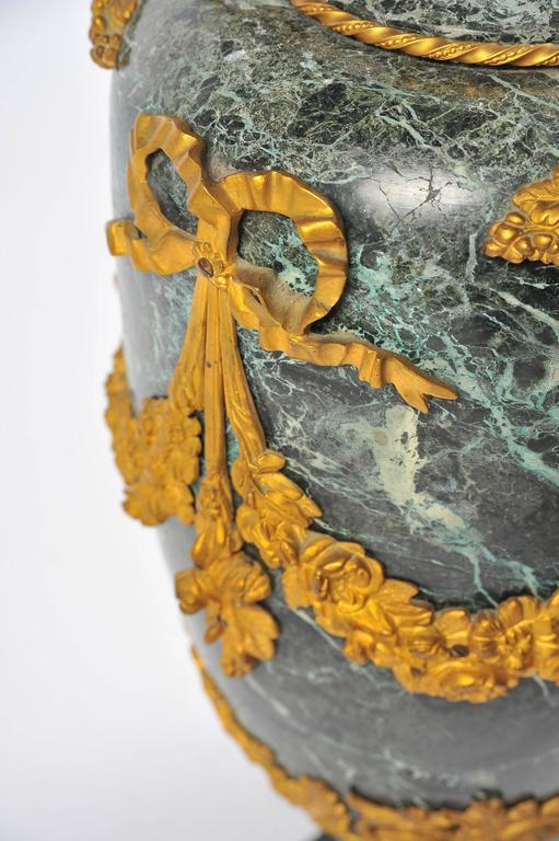 Large Pair of 19th Century Green Marble and Ormolu Urns For Sale 2