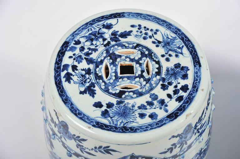Pair of 19th Century Chinese Blue and White Garden Seats In Good Condition For Sale In Brighton, Sussex