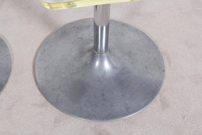 Mid-Century Modern Hill Manufacturing Lucite Chair on Aluminium Tulip Base For Sale
