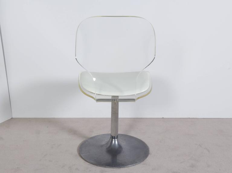 Late 20th Century Hill Manufacturing Lucite Chair on Aluminium Tulip Base For Sale