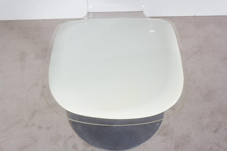 Hill Manufacturing Lucite Chair on Aluminium Tulip Base For Sale 1