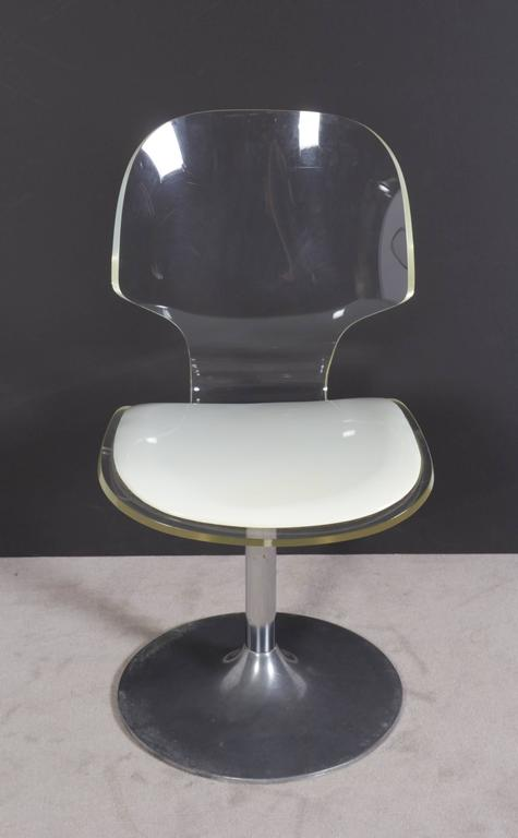 Hill Manufacturing Lucite Chair on Aluminium Tulip Base For Sale 2