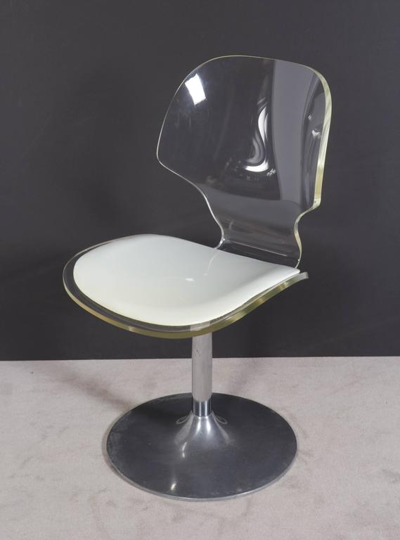 Hill Manufacturing Lucite Chair on Aluminium Tulip Base For Sale 3