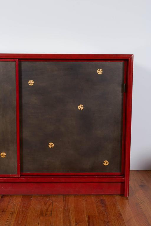 Gilt Pair of Tommi Parzinger Style Red Lacquer Asian Cabinets For Sale