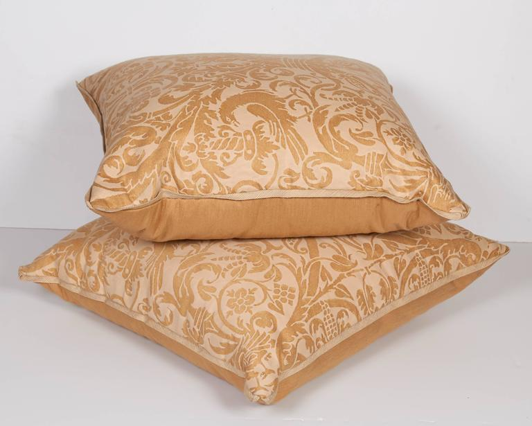 Pair of Fortuny Fabric Cushions in the Uccelli Pattern 2