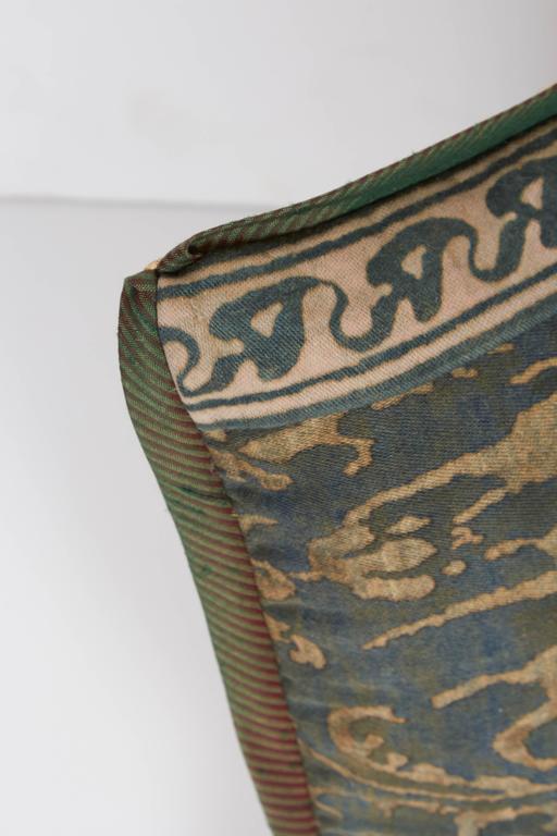 A Fortuny Fabric Lumbar Cushion in the Corone Pattern 4