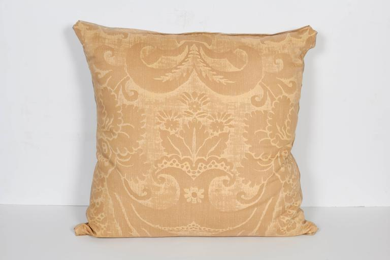 A Pair of Fortuny Fabric Cushions in the Glicine Pattern 3