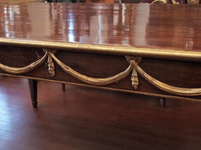 Italian Louis XVI Mahogany and Parcel-Gilt Dining Table In Good Condition For Sale In New Orleans, LA