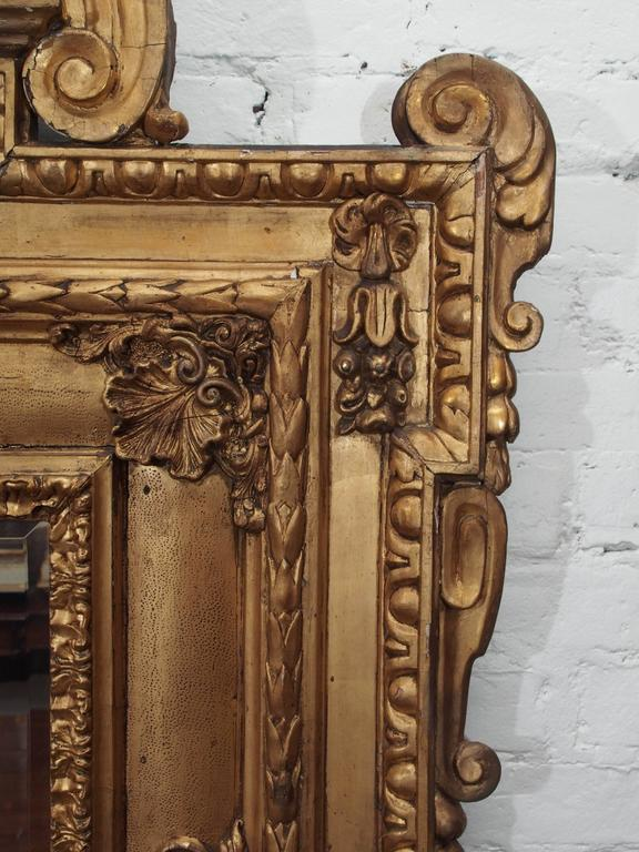Italian Giltwood Mirror with Cherub 4