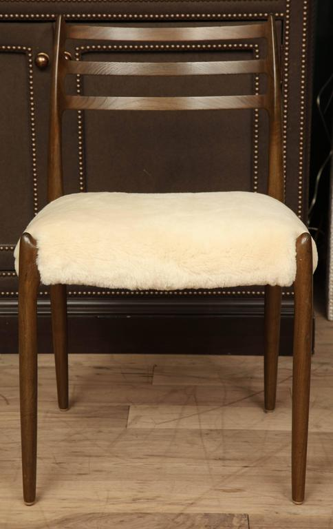 Set of Dining Chairs 2
