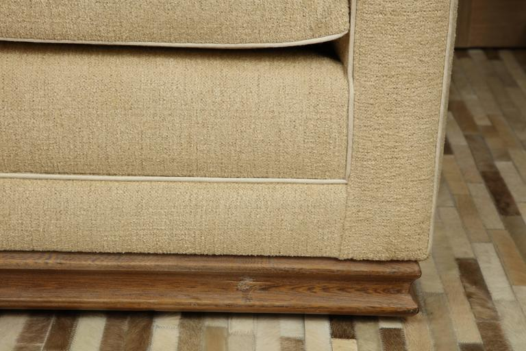 Mid-20th Century Pair of Settees For Sale