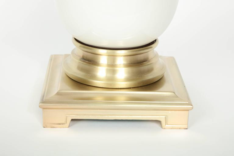Mid-Century Modern Stiffel Satin Brass and White Ceramic Lamps For Sale
