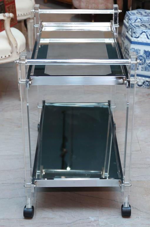 Mid-Century Modern Mid-Century Lucite Bar Cart For Sale