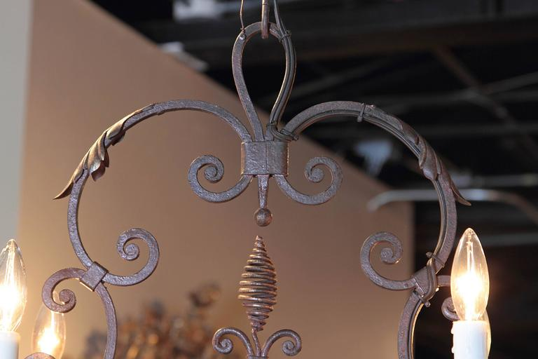 Early 20th Century French Verdigris Six-Light Iron Chandelier with Fleur-de-Lys For Sale 1