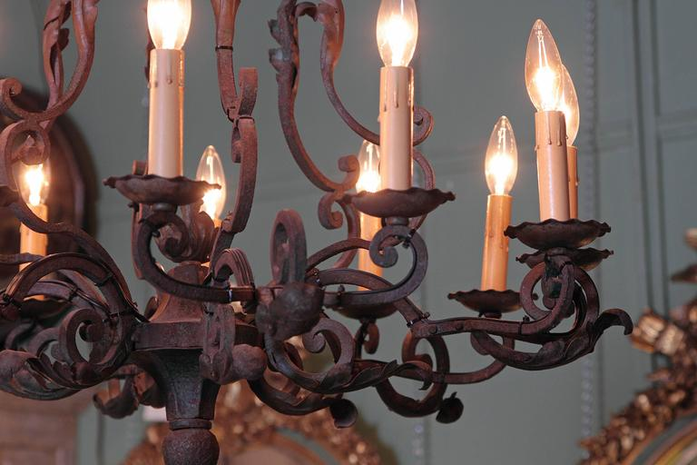 Early 20th Century French Verdigris Ten-Light Iron Chandelier For Sale 2