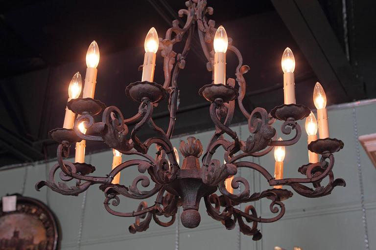 Early 20th Century French Verdigris Ten-Light Iron Chandelier For Sale 4