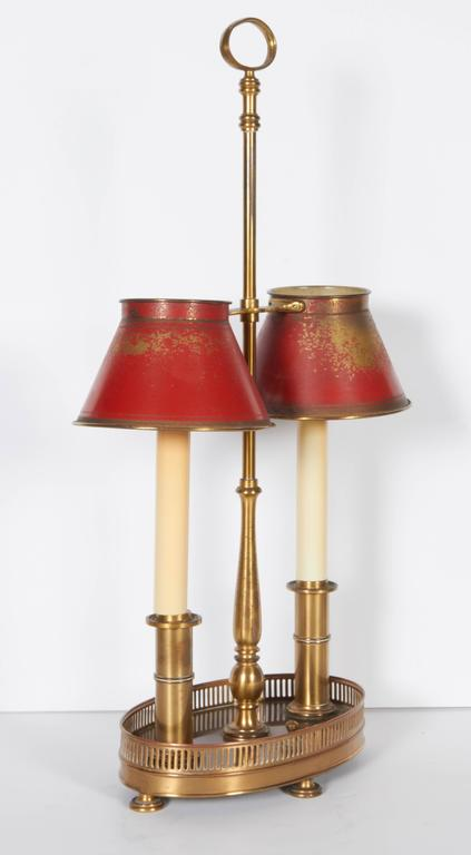 Mid-20th Century French Two-Light Bronze and Tole Bouilotte Lamp For Sale