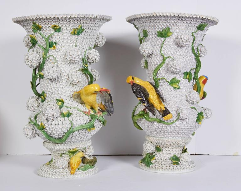 Rococo Monumental Pair of Meissen Porcelain Snowball Vases with Parrots and Birds For Sale