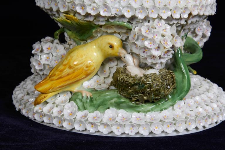 Early 19th Century Monumental Pair of Meissen Porcelain Snowball Vases with Parrots and Birds For Sale
