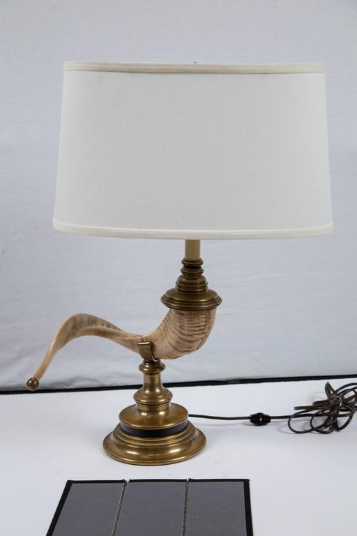 Vintage Ramu0027s Horn Table Lamp, 20th Century. Cast Horn With Brass Fittings  And Brass