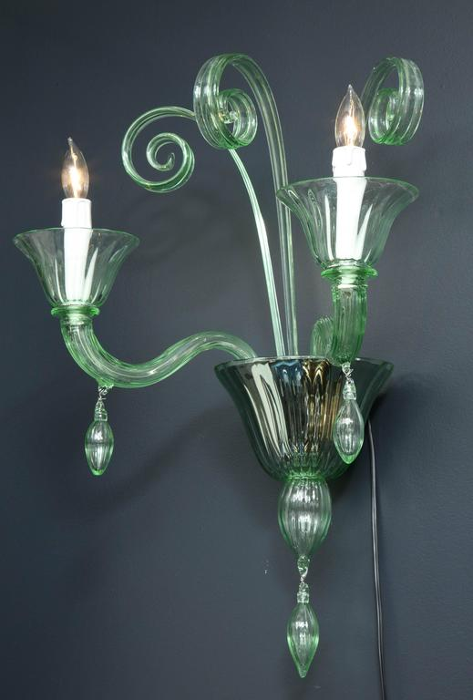 Pair of Mid-Century Green Murano Glass Sconces in the Manner of Venini In Excellent Condition For Sale In New York, NY