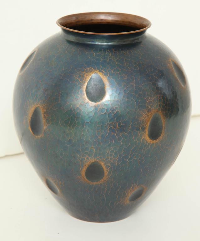 Japanese Art Deco Hammered Copper Vase 4