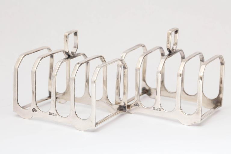 Edwardian-Style Pair of Sterling Silver Toast Racks In Excellent Condition For Sale In New York, NY