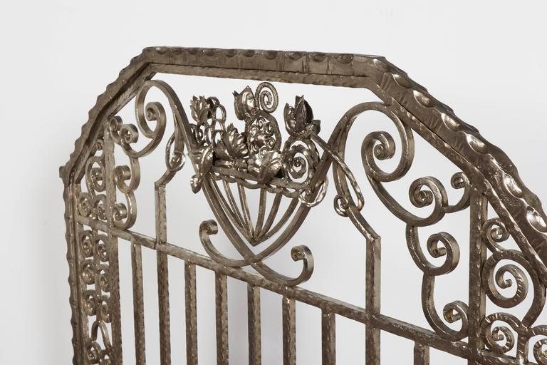 Pair of Important Art Deco Nickeled Hand-Hammered Iron Fire Screens, Signed In Excellent Condition For Sale In New York City, NY