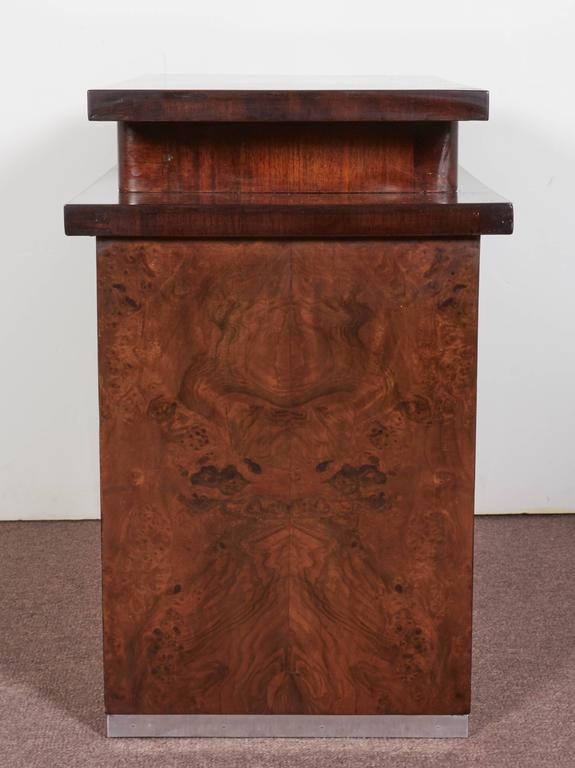 French Art Deco Burl Walnut Occasional or Side Table For Sale 1