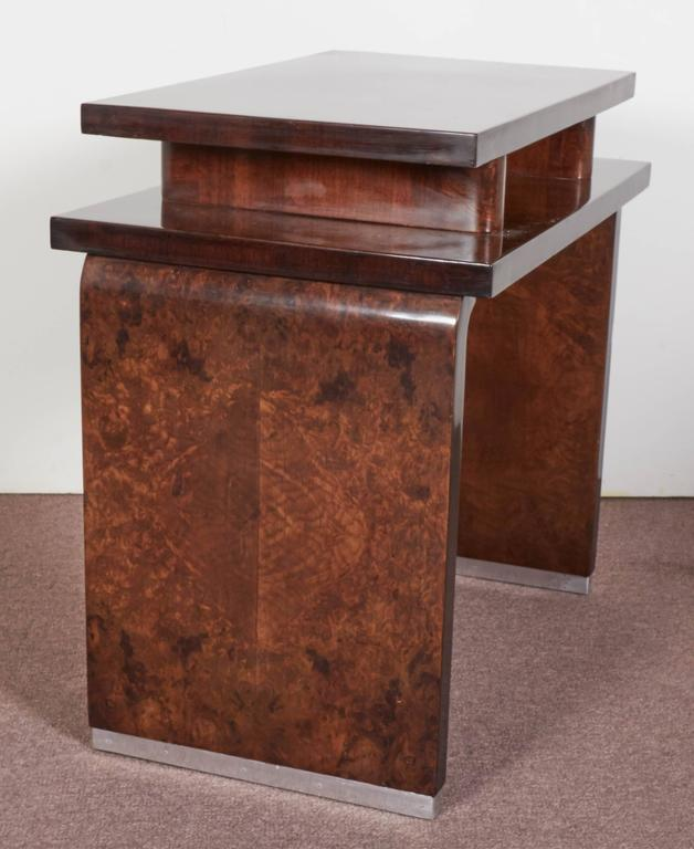 French Art Deco Burl Walnut Occasional or Side Table In Good Condition For Sale In New York City, NY