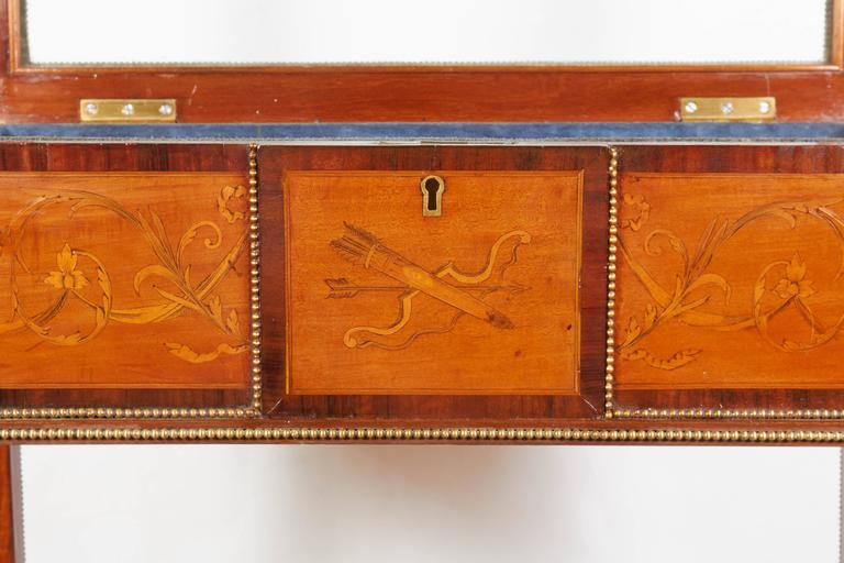 French Marquetry Brass Mounted Neoclassical Bijouterie Table In Excellent Condition For Sale In New York, NY
