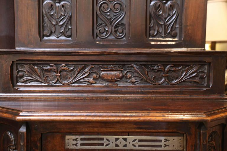 Spanish Oak Cabinet, Early 19th Century Carved with a Rider and a Horse In Good Condition In Houston, TX