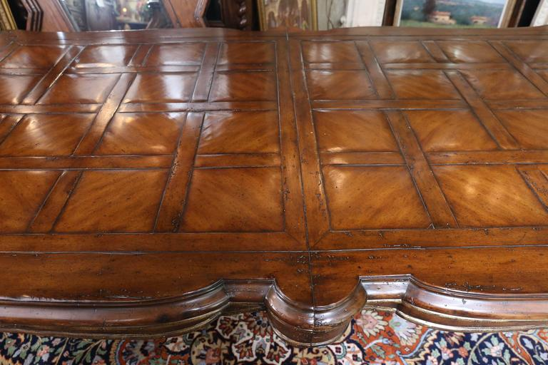 Louis XV Style Dining Table with Large Curved Leg and Shaped Top, Walnut Finish For Sale 3