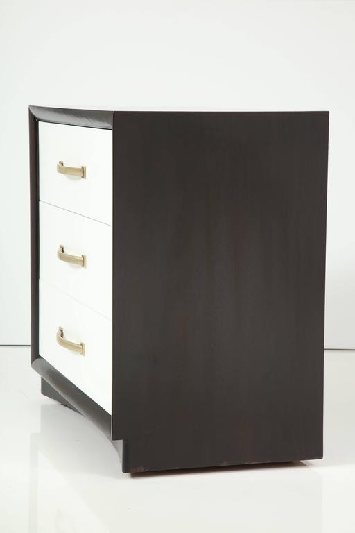 Pair of Robsjohn-Gibbings Chest of Drawers In Excellent Condition For Sale In New York, NY