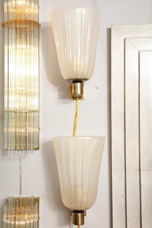 Mid-Century Modern Pair of Murano Glass and Brass Wall Sconces For Sale