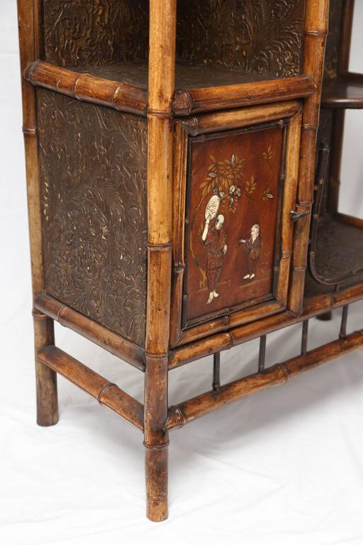 Beautiful 19th Century English Bamboo Pagoda Étagère or Bookcase 5