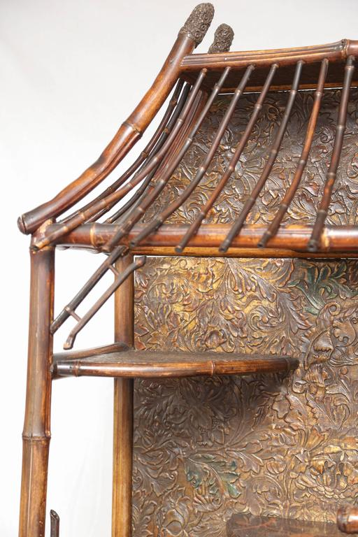Beautiful 19th Century English Bamboo Pagoda Étagère or Bookcase For Sale 6