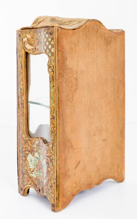 Belle Époque Late 18th Century Miniature Curio Cabinet For Sale