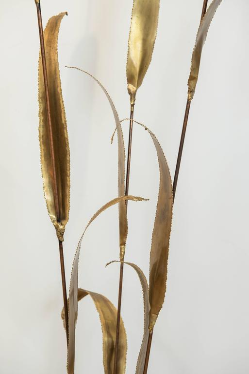 Metal Brutalist Bullrush Sculpture In Excellent Condition For Sale In Toronto, ON