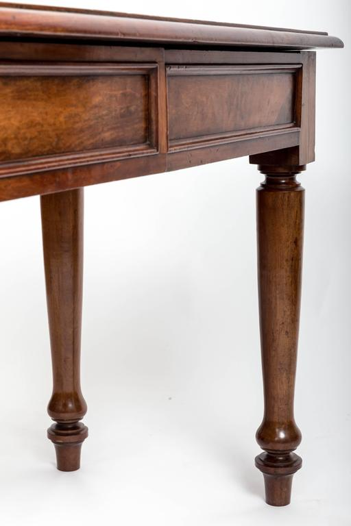 19th Century English Mahogany Serving Table For Sale 7