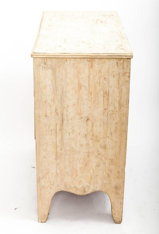 Early 19th Century Painted Chest Original Paint, England, circa 1840 7