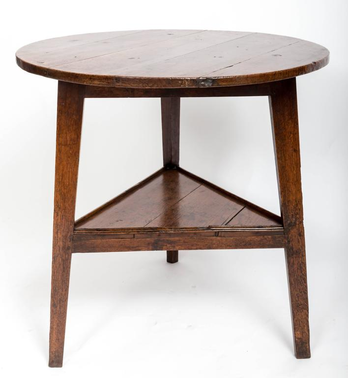 Early 18th Century Oak Cricket Table. England, circa, 1800 For Sale 2