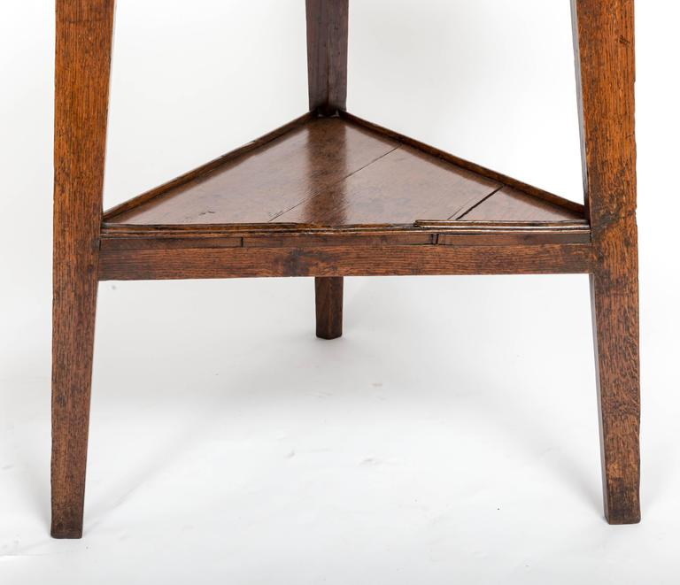 Early 18th Century Oak Cricket Table. England, circa, 1800 For Sale 3