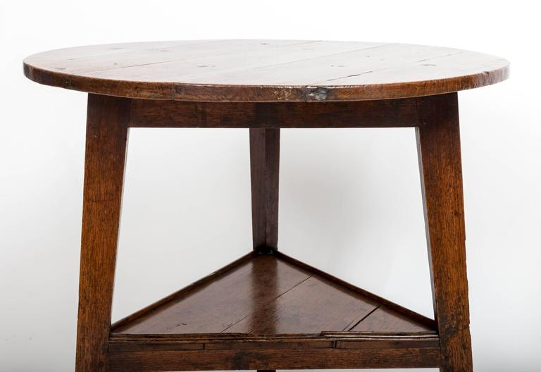 Early 18th Century Oak Cricket Table. England, circa, 1800 For Sale 4