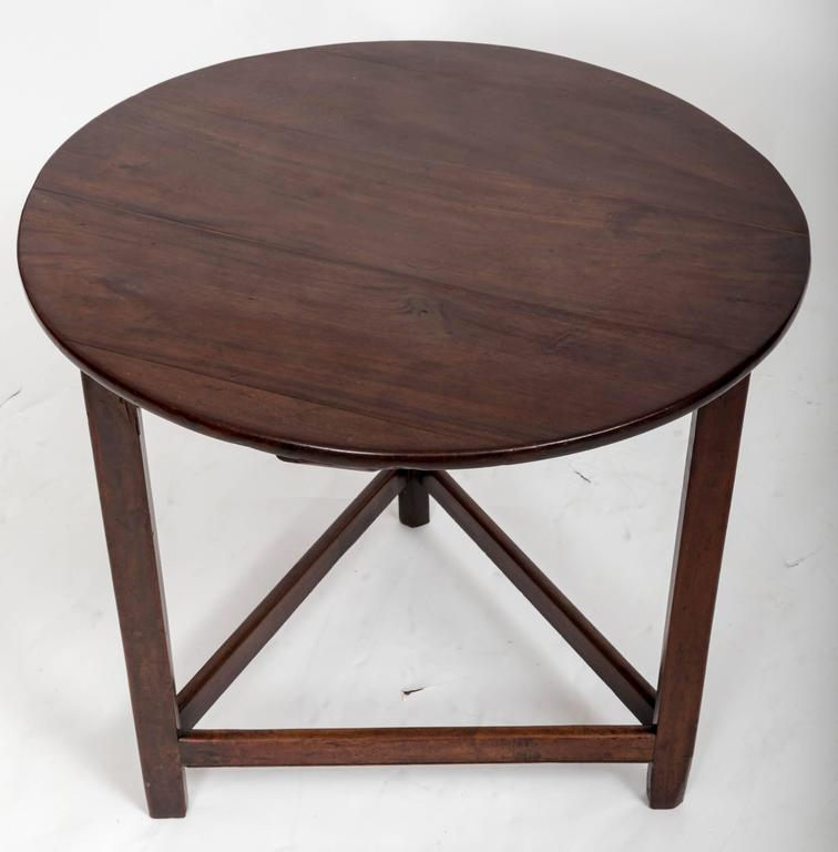 18th Century Mahogany Cricket Table, England, circa 1780 In Good Condition For Sale In East Hampton, NY