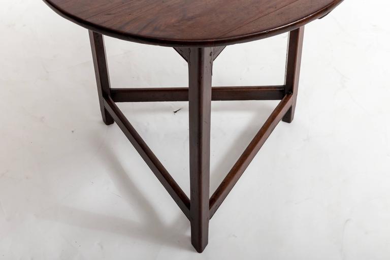 18th Century Mahogany Cricket Table, England, circa 1780 For Sale 3