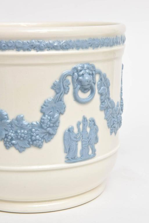 Great Britain (UK) Pair of Wedgwood Blue White Cache Pots, Lion's Head Handles Classical Scenes