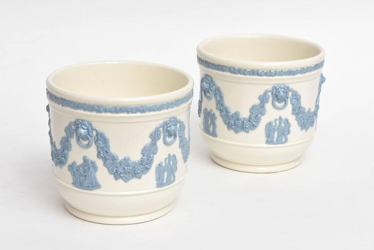 Hand-Crafted Pair of Wedgwood Blue White Cache Pots, Lion's Head Handles Classical Scenes