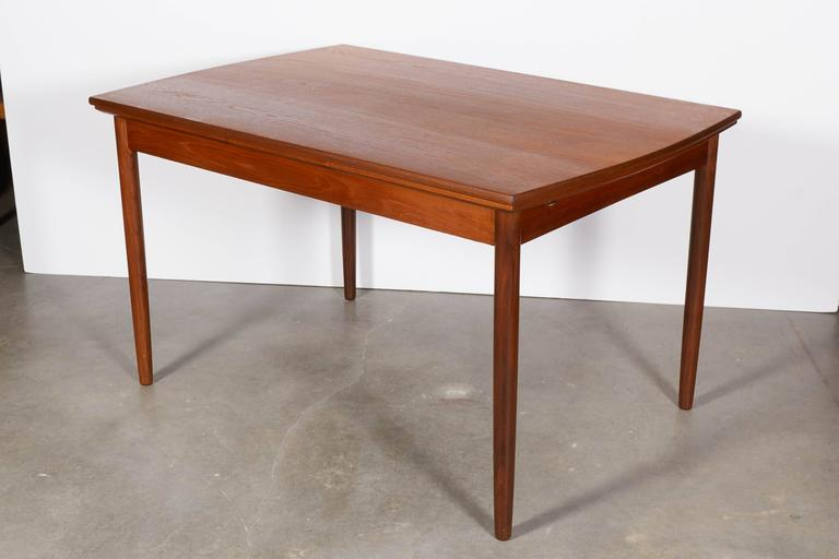 Expandable Rectangular Dining Table 5